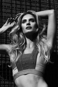 #Editorial #Capa #Erica Redling #model #top #looks #moda #inverno #verao #dicas #couro #bocaovermelho #tendencias #trends #calor #4everMag #dezembro #2015