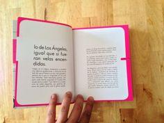 odio el rosa («historia de sara») una propuesta para empezar a leer desde la cubierta, atravesando los créditos para meternos en la historia sin interrupciones (;