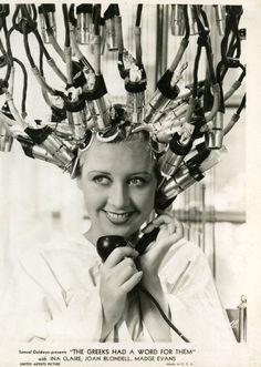 Joan Blondell gets a perm. via extranuance mudwerks: Glamour Daze: fashion - Vintage Hair Salon 1934 Hj History, Vintage Hair Salons, Pelo Vintage, Vintage Curls, 1930s Hair, Permanent Waves, Getting A Perm, 1930s Fashion, Fashion Vintage