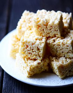 20 variations on rice krispy treats. the neopolitan ones looks delicious!!!