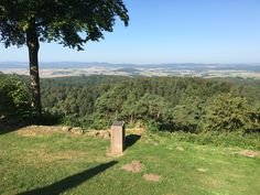 Aussicht vom Christenberg #hugenottenwaldenserpfad #culturalroutes #hessentourismus #expeditionhessen #visithessen