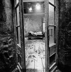 Living Room. Stalker.  by Georgij Pinkhasov via: uno-universal
