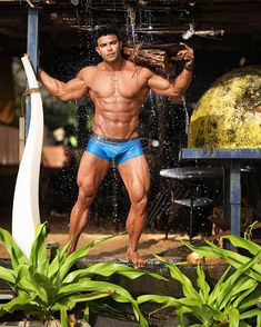 brand hai brand 👑👑 sahilkhan sahilkhanfanclub fitnessmotivation ifyouknowyouknow jobhilodolo dontjustwatchmejoinme fitnessic⭕️n musclebeach werisebyliftingothers itrainyourtrainer onelife onelifebaby Nice Body, Perfect Body, Gym Banner, Fitness Tips, Fitness Motivation, Hazel Hair Color, Muscle Beach, Gym Video, Sylvester Stallone