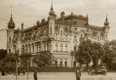 palat sturdza old Bucharest Romania vechiul bucuresti romanian palaces Little Paris, Bucharest Romania, Vintage Architecture, Click Photo, Old City, World War Two, Barcelona Cathedral, Big Ben, Past