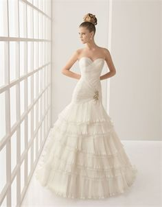 Vintage lace organza ball gown strapless sweetheart court train wedding dresses MLVB0014
