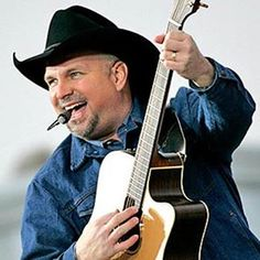 Garth Brooks - Just watched his Live From Las Vegas concert. Tremendous!!! And Trisha was HOT!!!