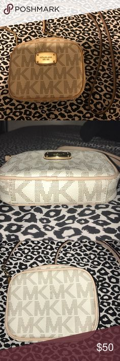 Michael Kors Cossbody 100% authentic, used. In amazing condition, no major damage. A few scratches on the gold front plate. Should strap in great condition, no damage to inside of the bag. NO TRADES, POSH TRANSACTIONS ONLY. Michael Kors Bags Crossbody Bags