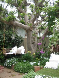 These Secret Garden design ideas can inspire you to make one for yourself. Get the best secret garden landscaping ideas for your backyard. Magic Garden, Dream Garden, Garden Art, Garden Design, Outdoor Rooms, Outdoor Gardens, Hanging Gardens, Outdoor Living, The Secret Garden