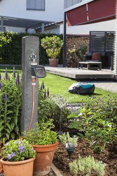 GARDENA smart system -sisältää kaiken tarvittavan helppoon ja automaattiseen nurmikonhoitoon ja tehokkaaseen puutarhan tarpeisiin perustuvaan kasteluun.