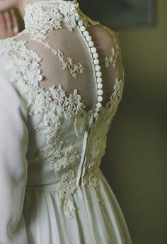 Vintage Lace Wedding Dress .....looks a lot like the back of my dress. 25 yrs ago