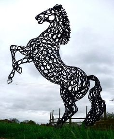 Horseshoe horse sculpture, how neat! Huge rearing up sculpture of a horse. Horseshoe Projects, Horseshoe Crafts, Horseshoe Art, Sculpture Metal, Horse Sculpture, Animal Sculptures, Horse World, Welding Art, Equine Art