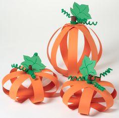 Super cute paper pumpkins from iLoveToCreate.com! #halloween #craft #pumpkin