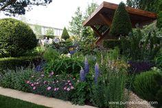 The Morgan Stanley Garden designed by Chris Beardshaw for the RHS Chelsea Flower Show Garden S, Dream Garden, Garden Ideas, Chelsea 2017, Morgan Stanley, Garden Buildings, Chelsea Flower Show, Colorful Garden, Covent Garden