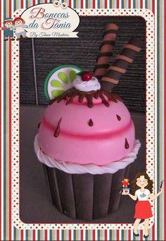 Bonecas da Tânia Tin Can Crafts, Foam Crafts, Diy Crafts, Candy Land, Apple Ice Cream, Cupcake Crafts, Clay Mugs, Giant Cupcakes, Ice Cream Party