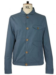 Love the colour of this jacket.