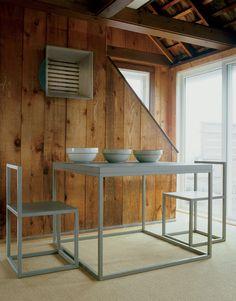 modern seaside retreat in sagaponack new york with pine walls and aluminum furniture