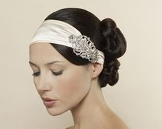 gorgeous hair and head band...  not sure I could pull it off with the dress I have in mind, but it's so beautiful.