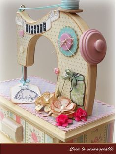 35 super Ideas for sewing machine organizer stitches Sewing Machine Tables, Old Sewing Machines, Sewing Art, Sewing Rooms, Wood Crafts, Diy And Crafts, Paper Crafts, Diy Wood, Craft Wood Planks
