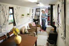 Some great ideas for a tiny house from this long narrow house boat in London. Living On A Boat, Tiny Living, Living Spaces, Mini Loft, Narrowboat Interiors, Houseboat Living, Houseboat Decor, Tiny House Swoon, Ikea