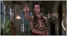 Isabella Rossellini in Death Becomes Her...super sexy top! :)