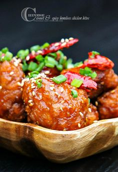 Chinese Sweet and Spicy Boneless Chicken Bites Recipe ~ it's addicting and so good!... It is sticky, sweet, spicy and so delicious especially if you pair it with refried rice
