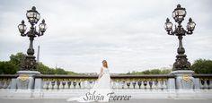 Boda en París, postboda en París, Puente de Alejandro III, fotógrafos de boda, Bodas Murcia, fotos de boda diferentes.  www.silviaferrer.com