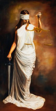 Temis, diosa de la justicia | Mitologia Ishtar Goddess, Greek Pantheon, Fire Photography, Lady Justice, Ap Studio Art, Goddess Of Love, Tarot Card Decks, Family Tattoos, Daughter Of God