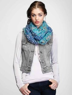 Get cozy in this double loop cowl: free crochet pattern