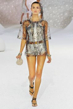the epitome of style perfection and effortless class. Chanel Spring, Timeless Fashion, Wearable Art, Cover Up, Cold Shoulder Dress, Spring Summer, Couture, Elegant, Celebrities