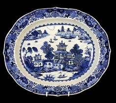 Antique Chinese Porcelain Blue & White Serving Dish 18th C ...