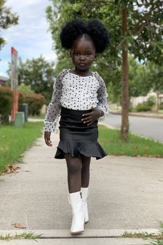 Black Little Girls, Cute Black Babies, Beautiful Black Babies, Pretty Black Girls, Black Girls Rock, Black Kids, Beautiful Children, Kids Tops, Long Sleeve Bodysuit