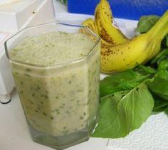 Batido natural antienvejecimiento   Adelgazar – Bajar de Peso. Ingredientes: 2 bananas 10 hojas de albahaca fresca (es mejor) 1 cucharada de miel de abejas 1/4 taza de agua