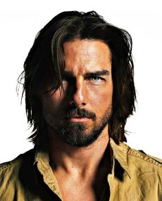 Tom Cruise l Hairstyles Hollywood Actor, Hollywood Stars, Tom Cruise Hair, Hair And Beard Styles, Long Hair Styles, Sr K, Z Cam, Celebrity Dads, Celebrity Style