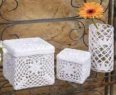 Bellissimi contenitori all'uncinetto oggetti di decorazioni, bomboniere o da regalare. Crochet Bowl, Thread Crochet, Crochet Motif, Crochet Doilies, Crochet Flowers, Crochet Patterns, Quick Crochet Gifts, Knit Basket, Crochet Decoration