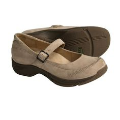 The Dansko clearance sales combine great prices with a quality product. Consumers know Dansko shoes have quality craftsmanship. http://dansko-clearance.net