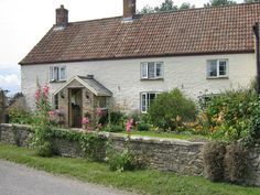 www.aroundaboutbritain.co.uk. Poplar Farm Bed & Breakfast. West Stoughton. Wedmore. Somerset. England. UK. Travel. Stay. Bed and Breakfast. Family. Explore. Outdoors. Golf.