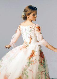 Emma Watson Beauty And The Beast, Emma Watson Beautiful, Hermione Granger, Emma Watson Frases, Vestidos Emma Watson, Belle Wedding Dresses, Iconic Women, Wedding Beauty, Pretty Dresses