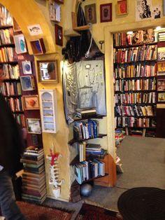 Armadillo's Pillow Bookstore | Chicago, IL