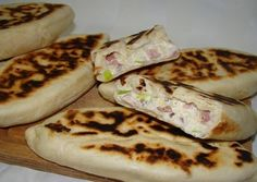 Kaja amit a gyerek talan megesz ; Meat Recipes, Gourmet Recipes, Healthy Recipes, Burek Recipe, Hungarian Recipes, Ham And Cheese, Food Print, Tapas, Food And Drink