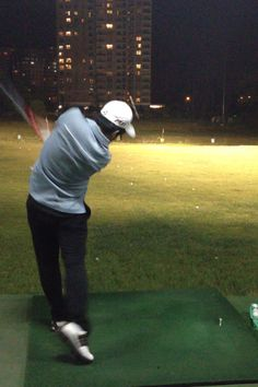 a87cdffa1f5d Hit with R11s on driving range Golf