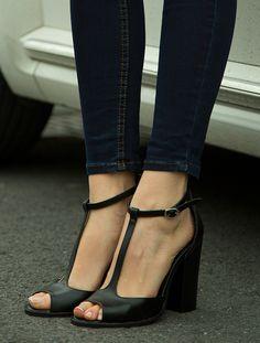 AÇIK BURUN TOPUKLU Jirina Siyah Topuklu Sandalet