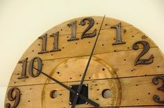repurposed wire spools | upcycle a wooden cable spool into a clock