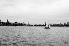 #hamburg ist schon die schönste Stadt der Welt! #germany #bw #b #alster #boat