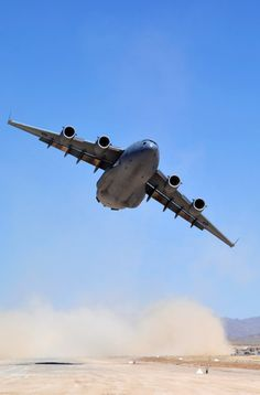 Wallpaper photos of the C-17 Globemaster : theBRIGADE