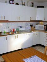 GUIDE - MÅLA KÖKSLUCKOR Guide, Kitchen Cabinets, Tips, Inspiration, Home Decor, Biblical Inspiration, Decoration Home, Advice, Room Decor
