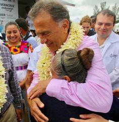 """Contextos Regionales: El Gobernador Yunes arranca elprograma """"Mujer Vera..."""