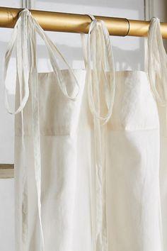 https://i.pinimg.com/236x/11/22/2f/11222f6559490e45d2e54252fd89ee36--home-curtains-victorian-lace.jpg