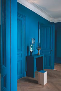 Marie Claire Maison, via Not My Beautiful Home. Blue Rooms, Blue Bedroom, Blue Walls, Interior Architecture, Interior And Exterior, Azul Anil, Interior Inspiration, Design Inspiration, Design Ideas