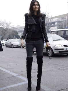 Você com certeza está mais do que careca de saber que as otk boots combinam com comprimentos mini, certo? E que com meia-calça também não ficam mal. Mas, fora esses dois itens, será que elas funcio…