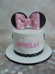 Amelia's Minnie mouse cake - Cake by Cake A Chance On Belinda